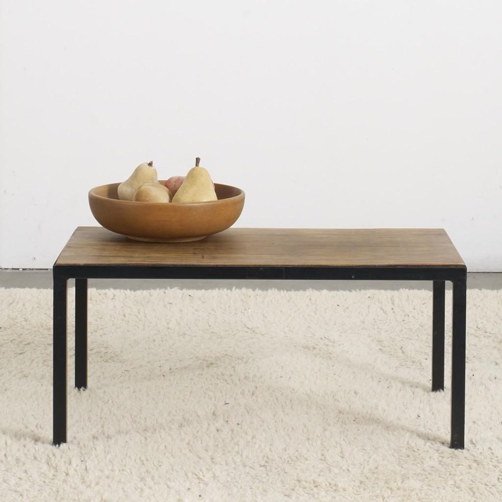 petite table basse la caravane studio. Black Bedroom Furniture Sets. Home Design Ideas
